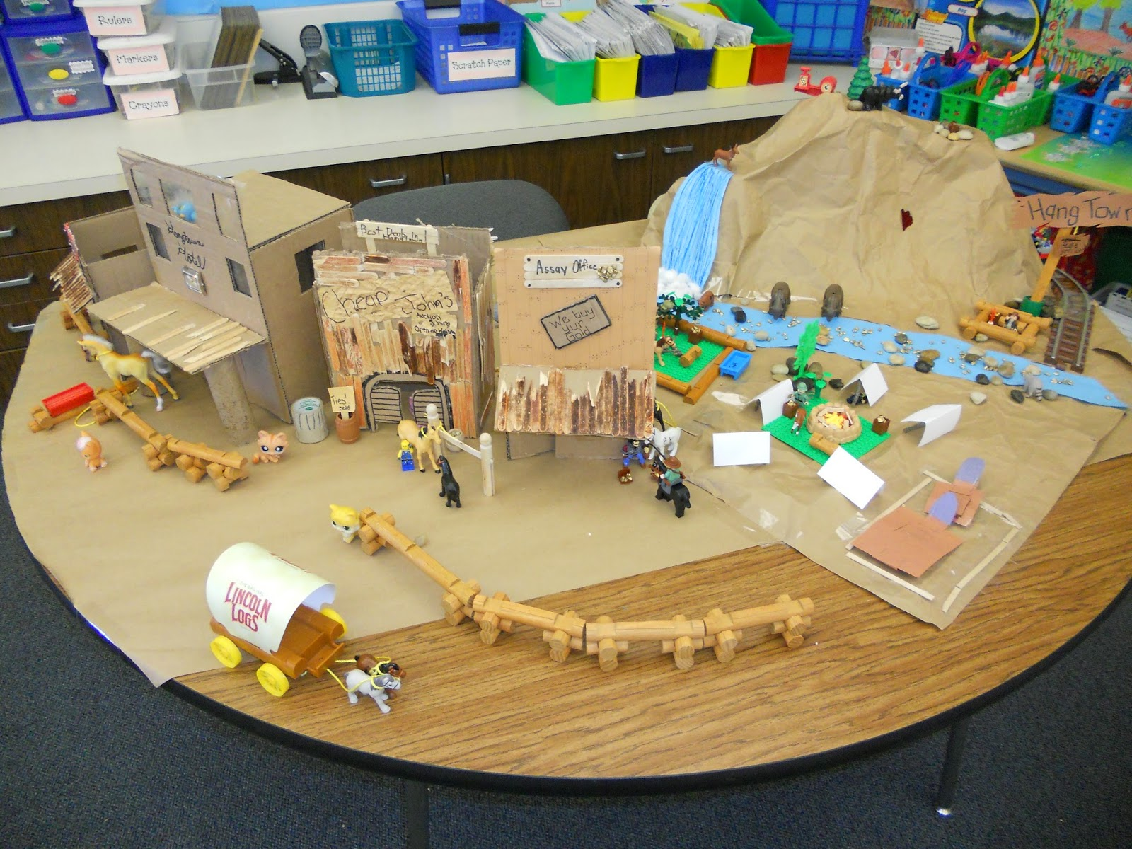 By-the-Great-Horn-Spoon-Hangtown-California-Gold-Rush-town-diorama-wallpaper-wp3004043