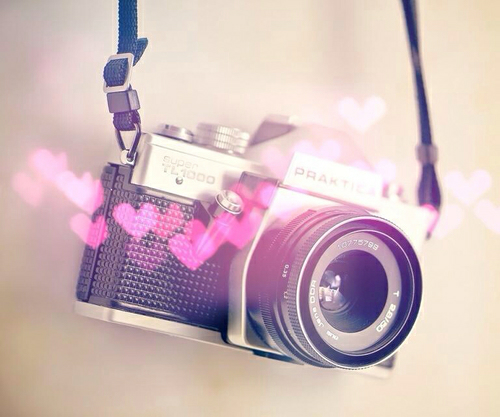 Camera-with-pink-ghostly-hearts-wallpaper-wp3004110