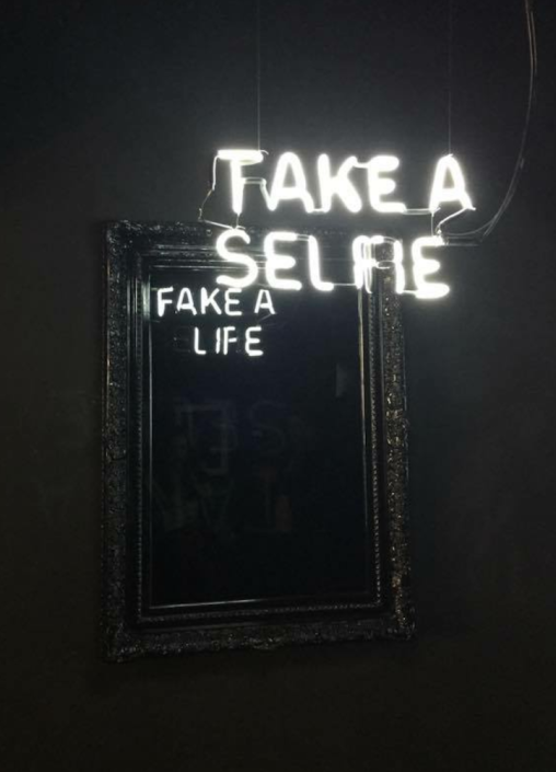 Camilo-Matiz-take-a-selfie-fake-a-life-neon-light-sculpture-Neon-Art-Neon-LOVE-wallpaper-wp3004114