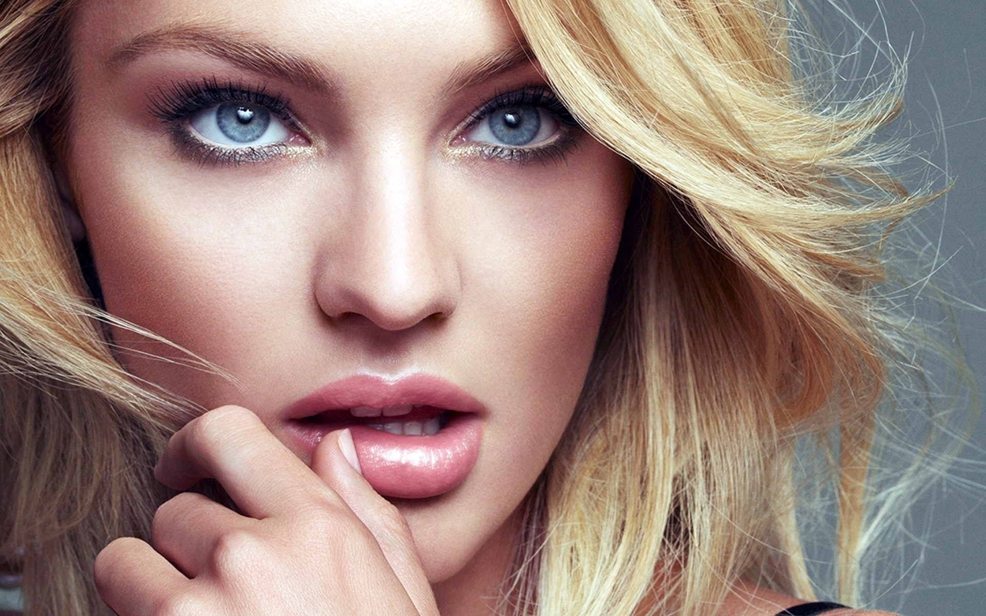 Candice-Swanepoel-Pictures-wallpaper-wp5804407