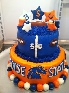 Cat-s-Cake-Creations-Boise-State-Broncos-Football-Celebration-Cake-wallpaper-wp3403779