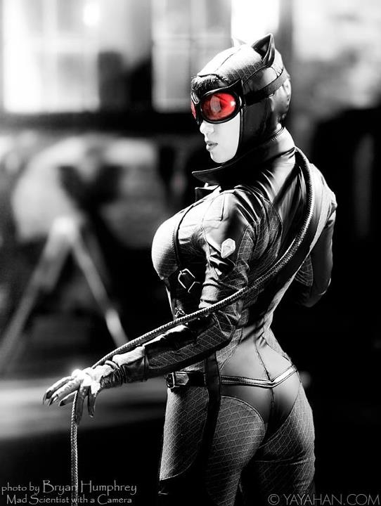 Catwoman-Batman-Arkham-City-costume-made-modeled-by-Yaya-Han-photographed-by-Bryan-Humphrey-wallpaper-wp4805137