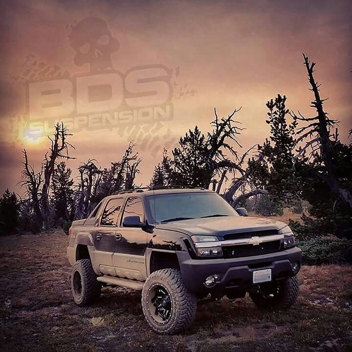 Chevrolet-Avalanche-lifted-wallpaper-wp4602672-2