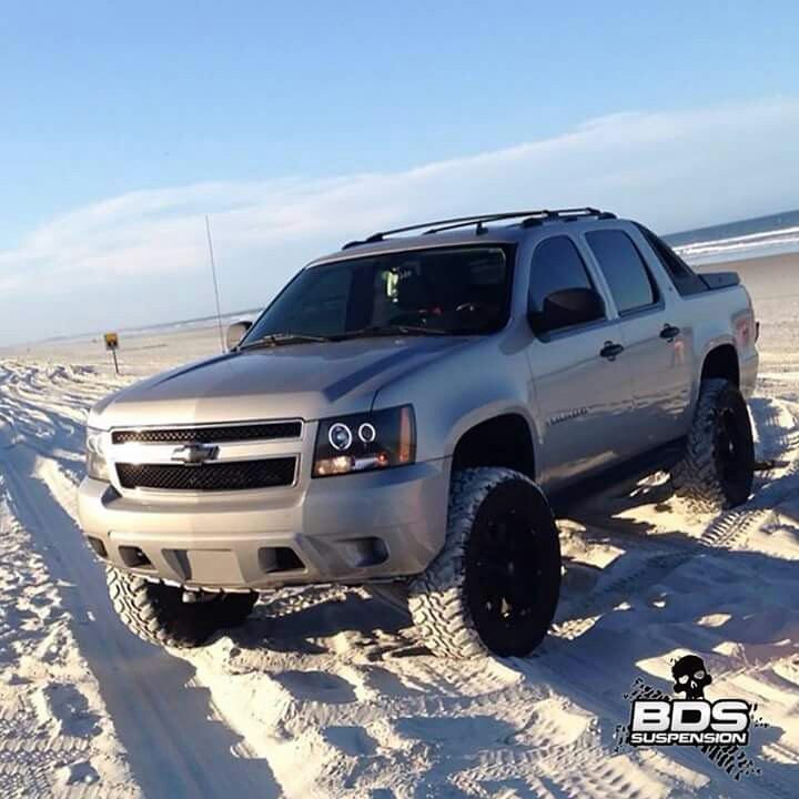 Chevrolet-Avalanche-lifted-wallpaper-wp4602679-2