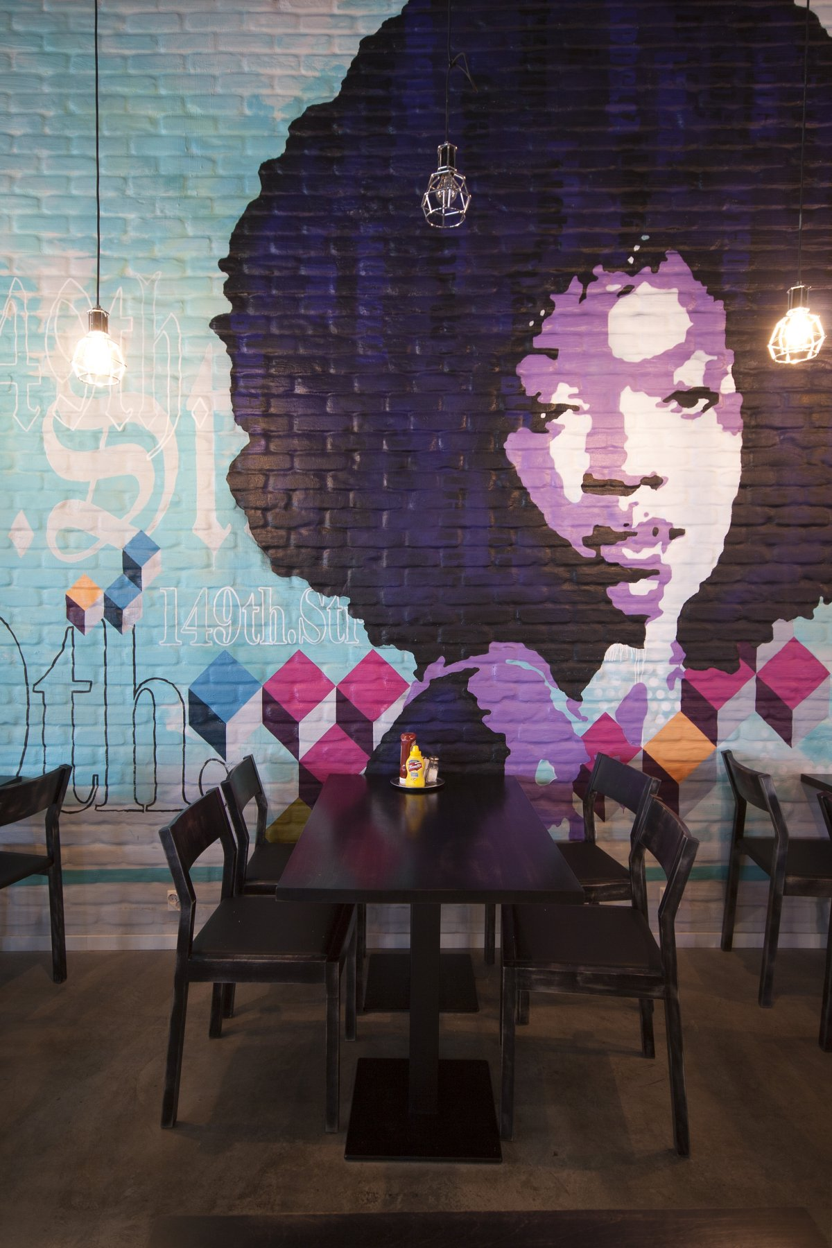 Chico's-Restaurant-by-Amerikka-Design-Office-and-a-nice-Erika-Badu-painting-in-the-back-wallpaper-wp4405727