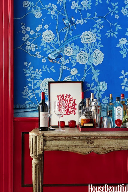 Chinoiserie-Chic-Chinoiserie-Red-White-and-Blue-Painted-Woodwork-wallpaper-wp5603837
