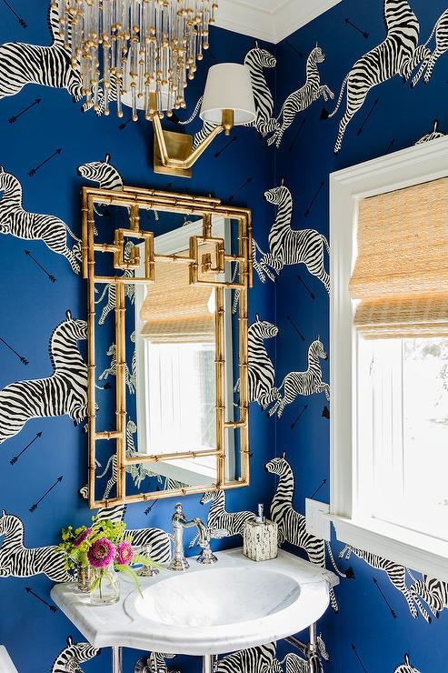 Chinoiserie-Chic-The-Blue-and-White-Chinoiserie-Bath-wallpaper-wp5205172