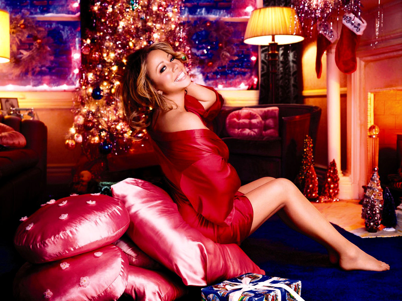 Christmas-Lingerie-y-Legs-y-Celebrity-Join-thous-wallpaper-wp5003876