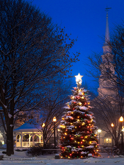 Christmas-in-Central-Square-Keene-New-Hampshire-wallpaper-wp4604747