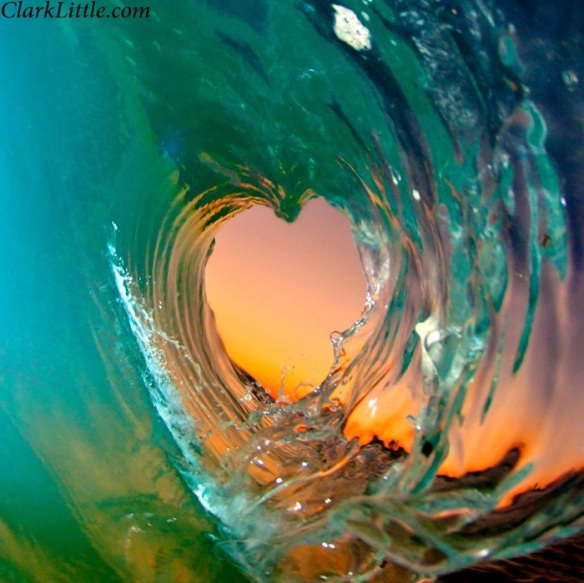 Clark-Little-Heart-Wave-Oahu-wallpaper-wp3004399