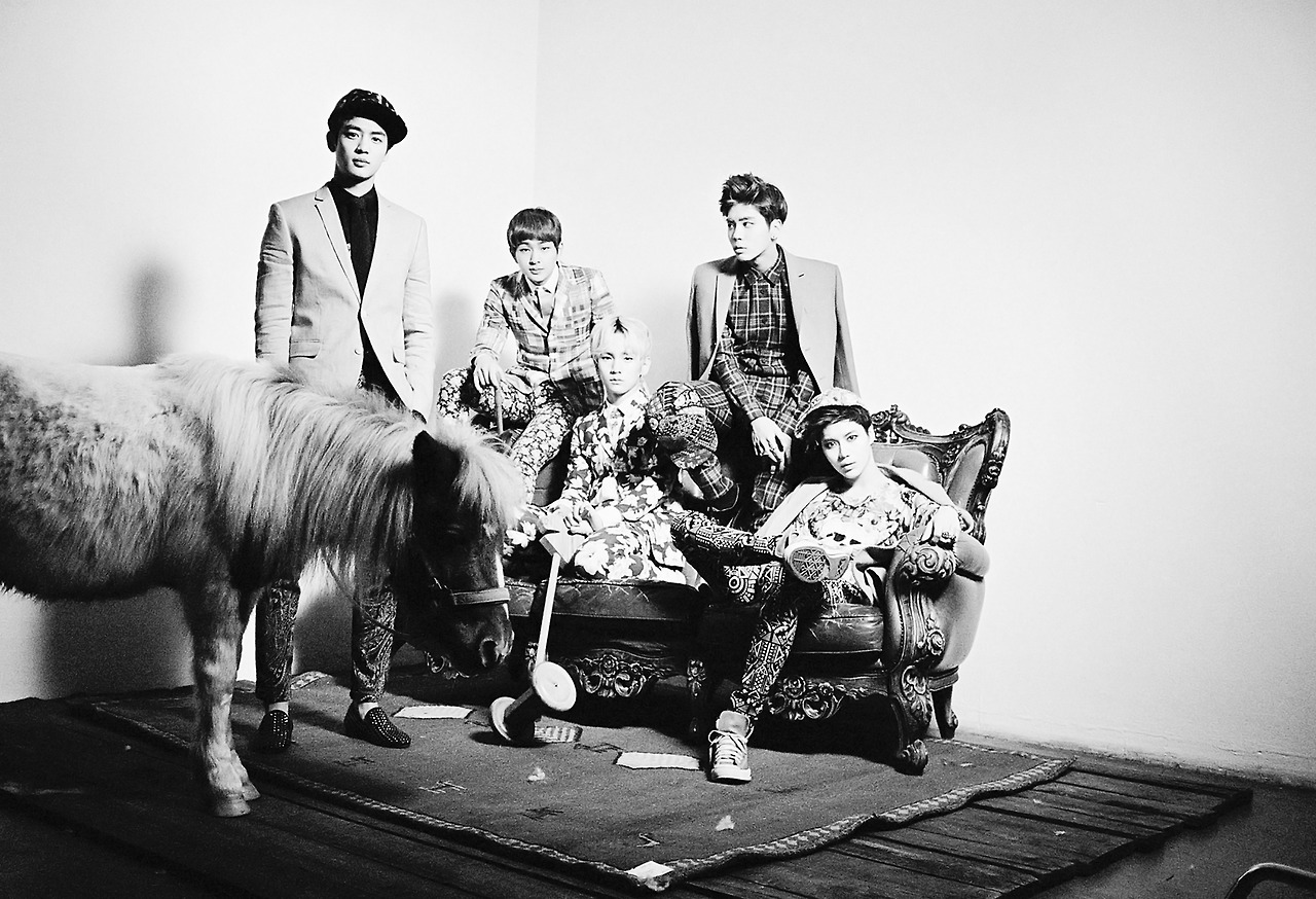 Classic-Greyscale-SHINee-Korean-Kpop-collections-Download-Grayscale-SHINee-wallpaper-wp4602920