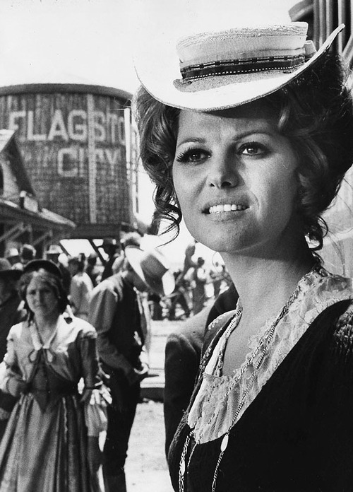 Claudia-Cardinale-in-Once-Upon-a-Time-in-the-West-wallpaper-wp424560-1