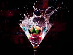 Cocktail-Splash-wallpaper-wp3604154