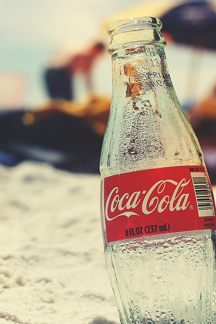 Coke-in-the-beach-for-iPhone-wallpaper-wp5006171