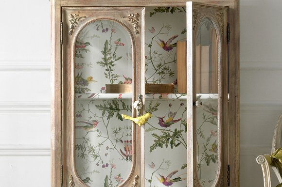 Cole-Son's-Hummingbirds-paper-lines-this-display-cabinet-from-An-Angel-at-My-Table-HO-wallpaper-wp4405893