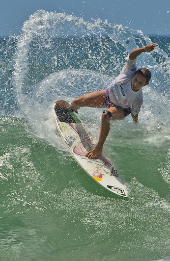 Congrats-Sally-Fitzgibbons-winner-of-the-Burleigh-Pro-surf-wallpaper-wp5205365
