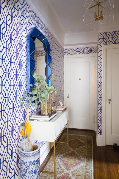 Contemporary-Eclectic-Wall-Treatment-Vibrant-patterned-walls-and-white-moul-wallpaper-wp5804695-1