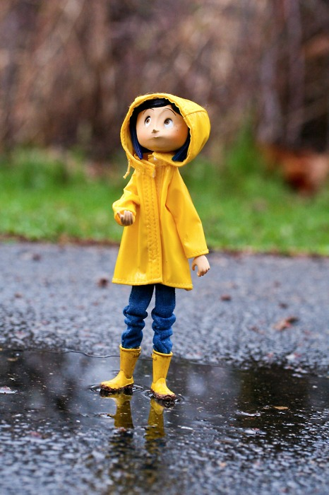 Coraline-I-want-this-doll-so-bad-but-it-s-now-Grrr-wallpaper-wp5804723