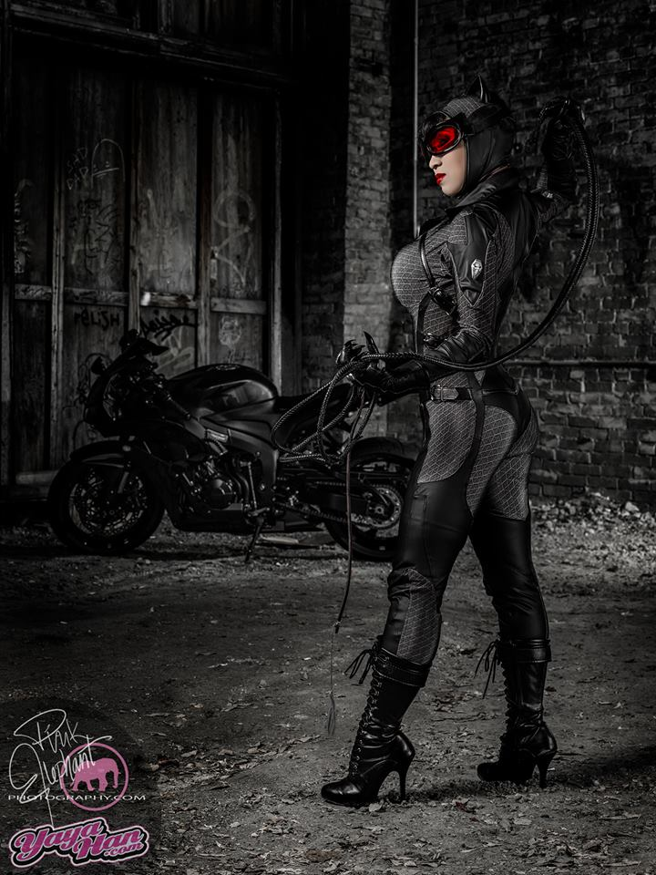 Cosplay-Catwoman-Yaya-Han-wallpaper-wp4803341