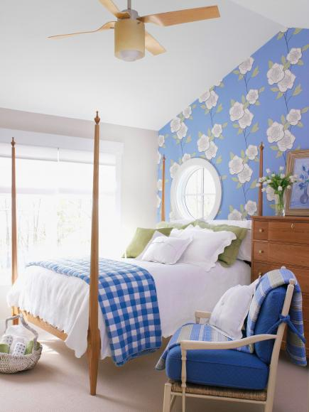 Create-a-light-and-cheerful-mood-in-a-bedroom-with-whites-blues-and-greens-An-oversize-stylized-f-wallpaper-wp3004605