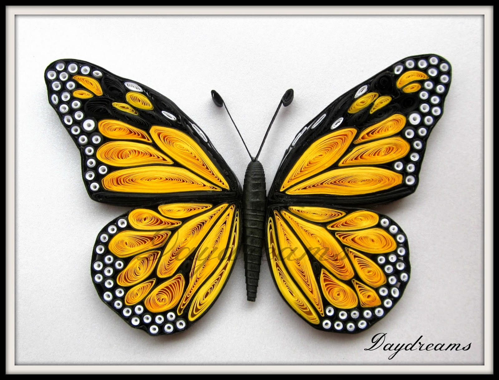 DAYDREAMS-Quilled-Monarch-wallpaper-wp424874