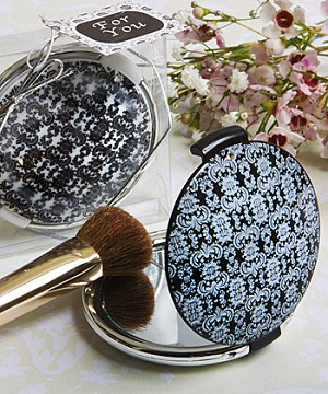 Damask-Design-Compact-Mirror-wallpaper-wp424827-1