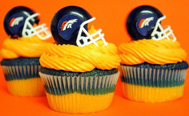 Denver-Broncos-Cupcakes-SWEET-For-my-man-wallpaper-wp5604327