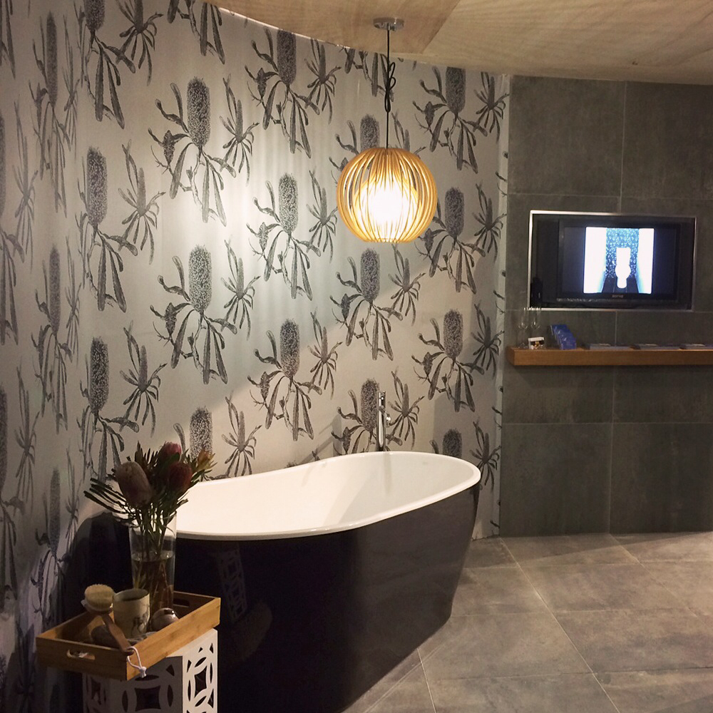 Designing-with-a-motif-Bathroom-Brilliance-had-us-in-a-blissful-state-of-repose-with-their-chic-Aus-wallpaper-wp5006756