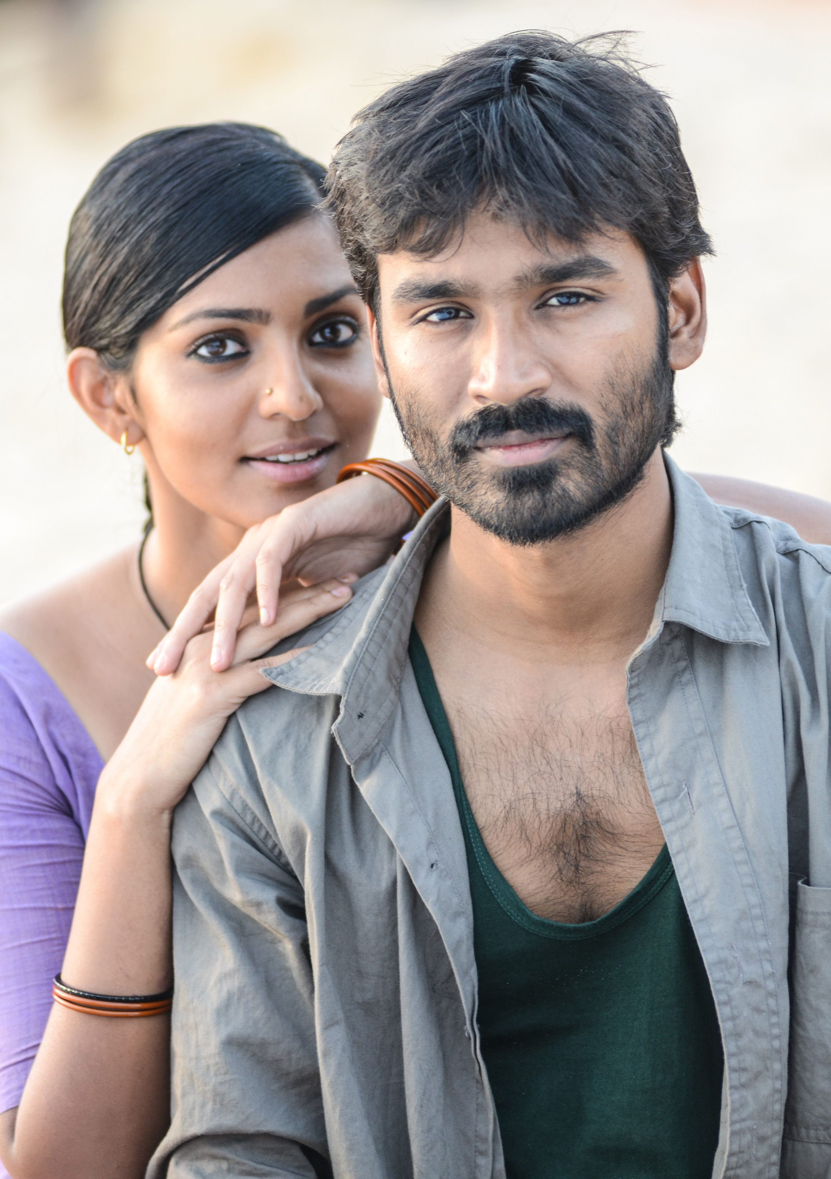 Dhanush-and-Parvathi-Menon-in-Maryan-Movie-wallpaper-wp480290