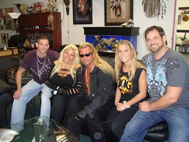 Dog-the-Bounty-Hunter-Daughter-Died-Death-Threats-Aimed-At-Dog-The-Bounty-Hunter-and-Family-wallpaper-wp3005095