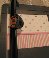 Dollhouse-Decorating-How-to-put-in-your-dollhouse-wallpaper-wp5006856