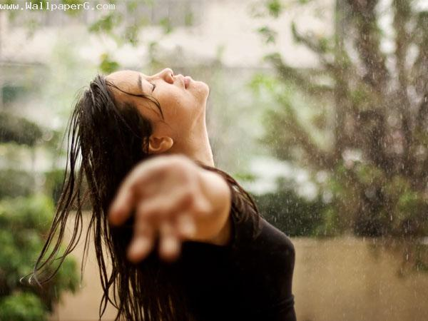 Download-Girl-enjoying-monsoon-image-Profile-pics-for-girls-for-your-mobile-cell-phone-http-www-wallpaper-wp4406491