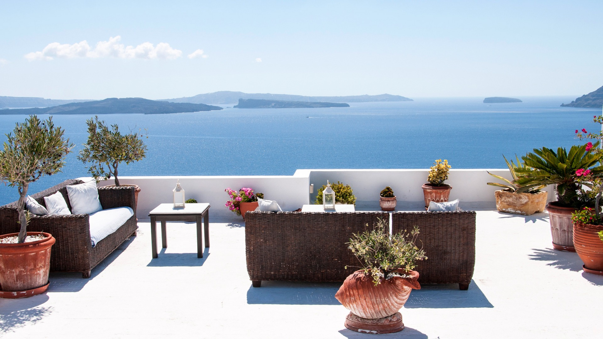 Download-sea-mountains-sofa-stay-Villa-vacation-chair-Santorini-Greece-section-wallpaper-wp3605124