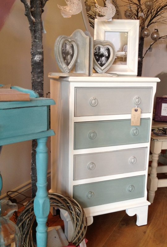 Drawers-painted-in-Old-White-Duck-Egg-Blue-and-Paris-Grey-wallpaper-wp4406567