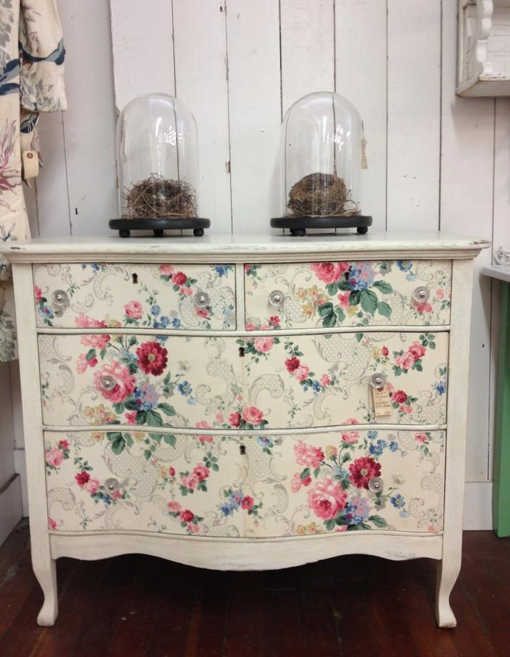 Dresser-with-vintage-drawers-wallpaper-wp5206024