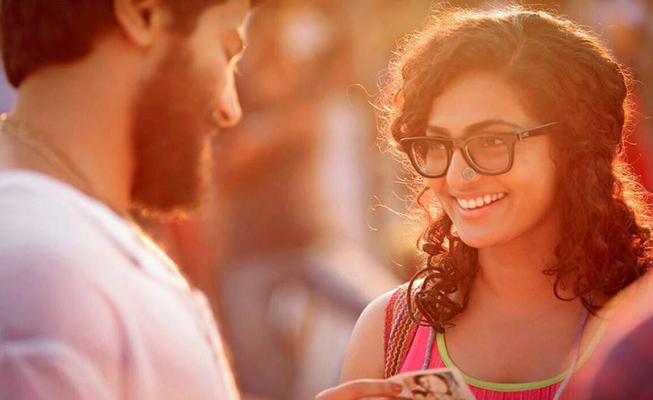 Dulquer-Salman-and-Parvathy-Menon-Charlie-Malayalam-movie-stills-Dulquer-Salman-Parvathy-wallpaper-wp480303