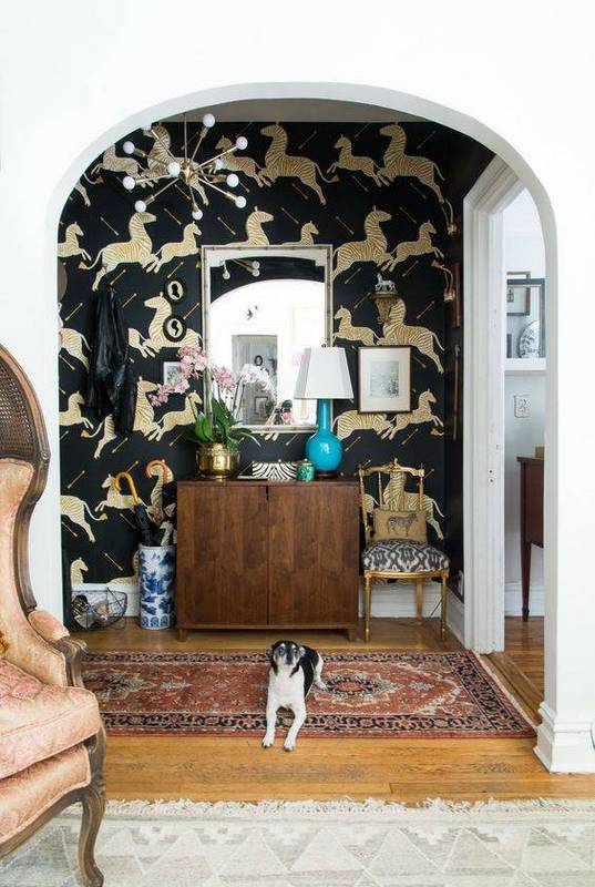 Eclectic-entryway-with-a-zebra-a-sputnik-chandelier-and-a-vintag-wallpaper-wp5805313-1