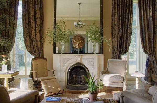 Edwardian-Living-Room-wallpaper-wp425112-1