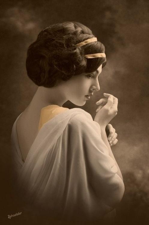Edwardian-hair-inspirations-for-a-wedding-wallpaper-wp425108-1