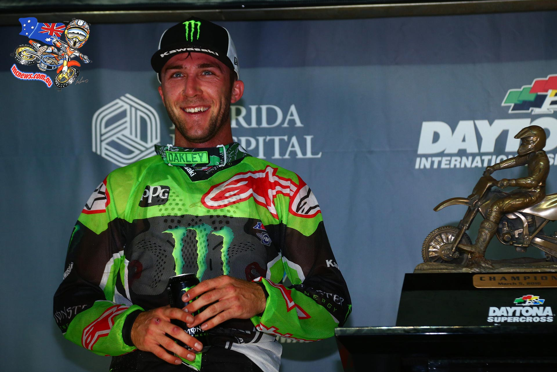 Eli-Tomac-riding-a-Kawasaki-led-every-lap-of-the-lap-SX-cl-final-outrunning-KTM-rider-Ry-wallpaper-wp5007111