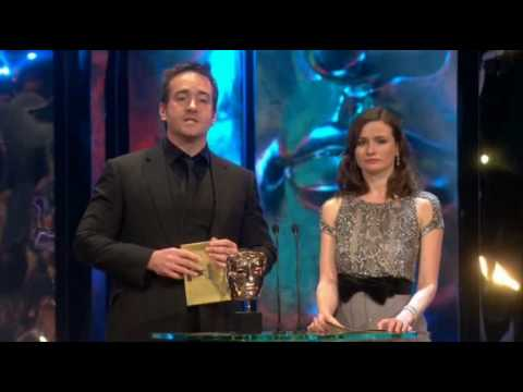 Emily-Mortimer-Matthew-Macfadyen-BAFTAs-in-wallpaper-wp5404766