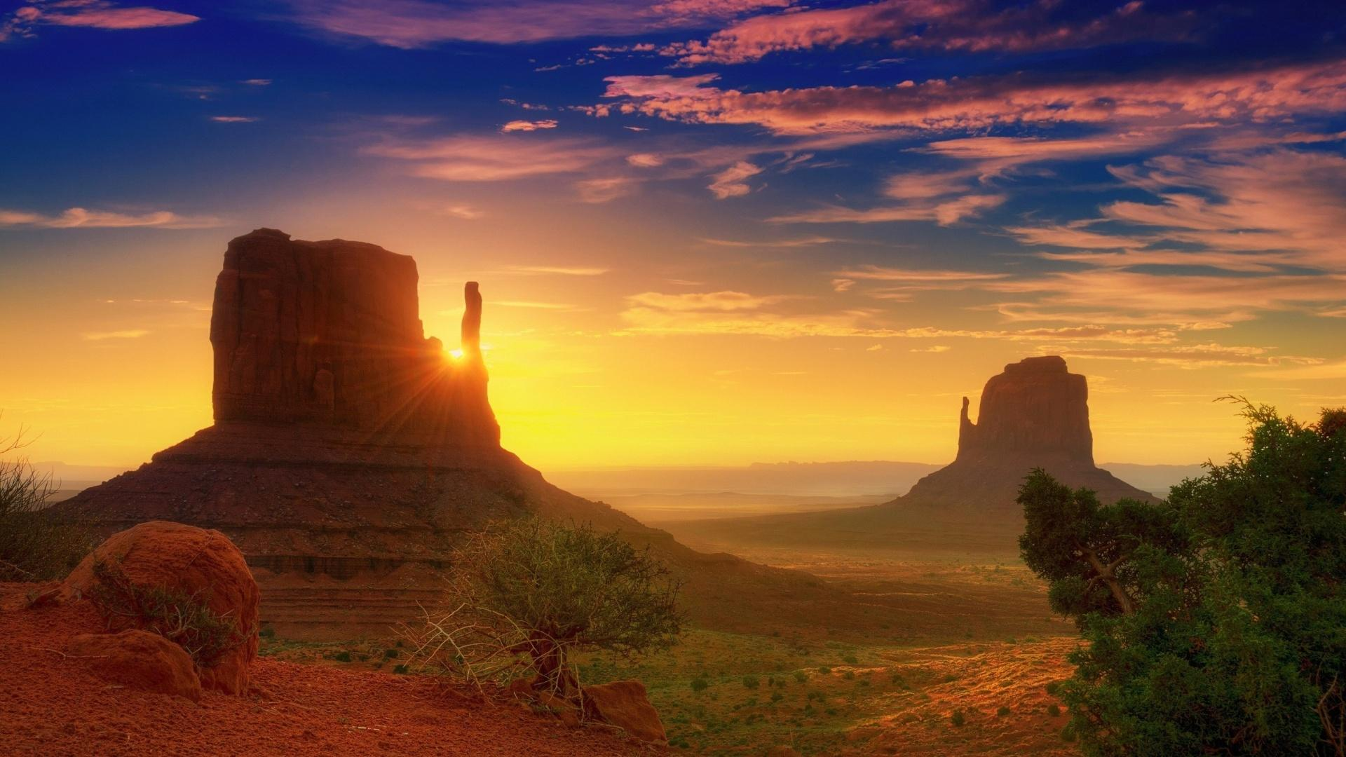 Ending-the-week-with-a-photo-of-a-beautiful-sunset-over-Monument-Valley-Breathtaking-isn-t-it-wallpaper-wp3405237