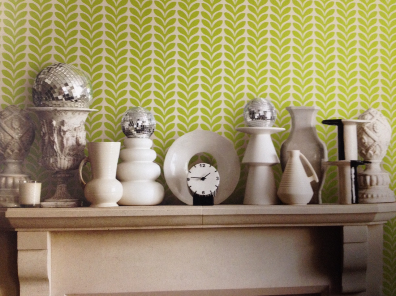Environmentally-friendly-Bright-lime-and-green-brings-updated-s-influence-Find-it-at-wallpaper-wp5007152