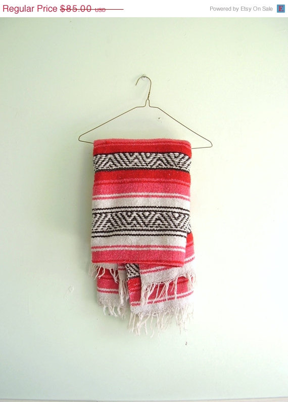 FF-Red-and-Pink-Striped-Tribal-Mexican-Southwestern-Falsa-Throw-Blanket-TWIN-Bedspread-Vint-wallpaper-wp5002730