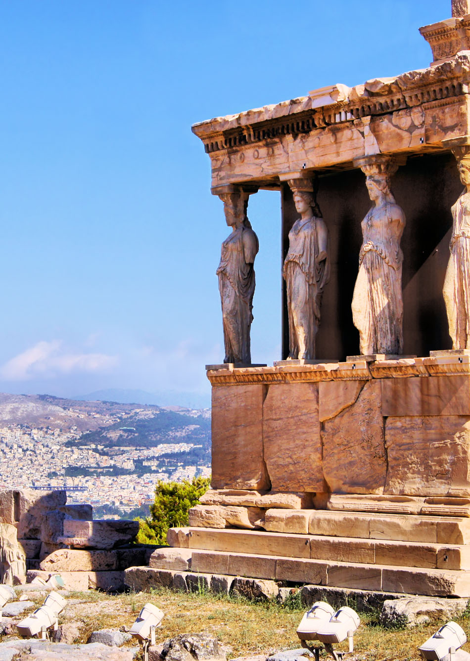 Famous-ancient-Porch-of-the-Caryatids-overlooking-Athens-Greece-Amazing-Photography-Of-Cities-and-wallpaper-wp425349