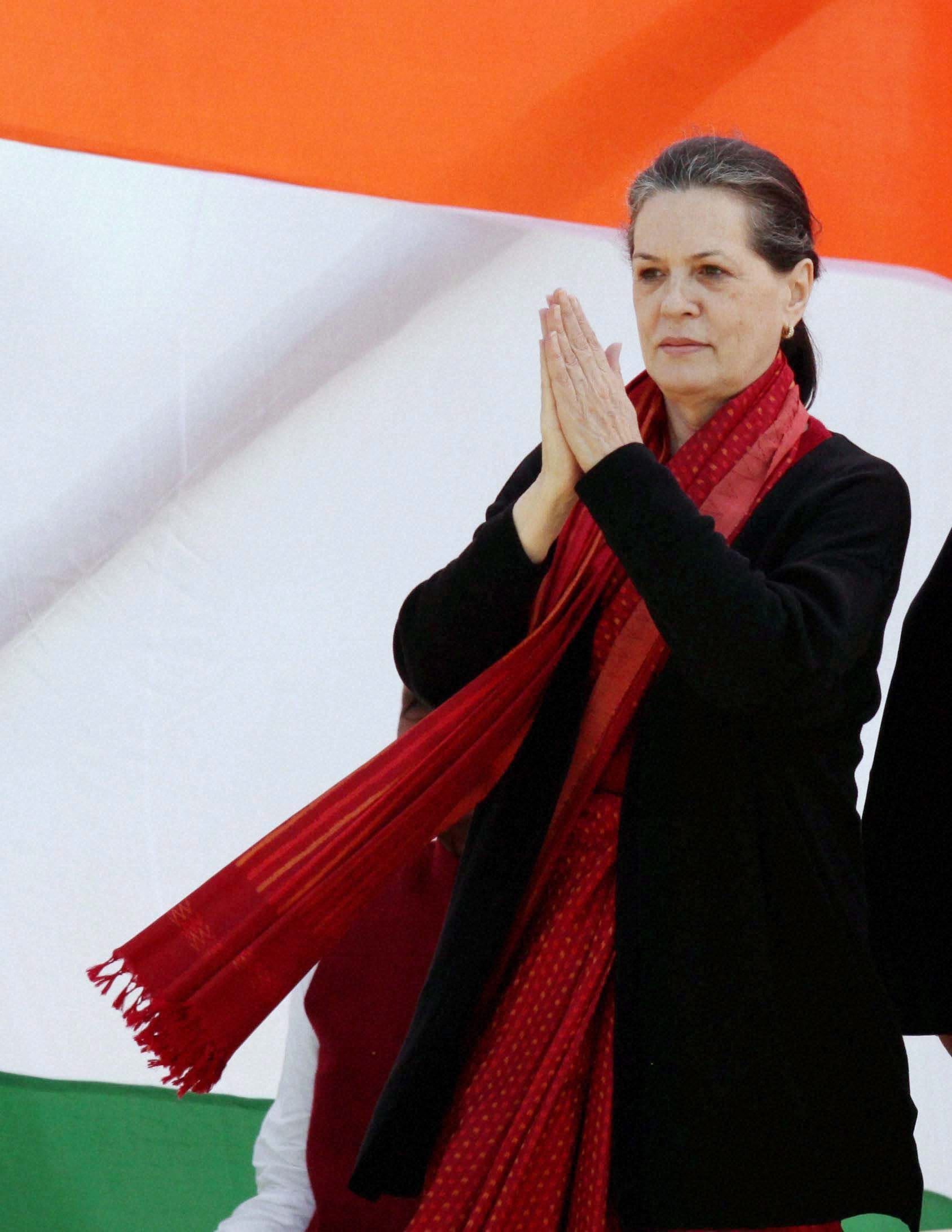 Fashionable-to-criticise-government-says-Sonia-Gandhi-to-Congress-MPs-http-ndtv-in-JeOfel-wallpaper-wp4605834