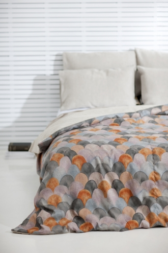 Fish-Scale-Bed-Cover-Nina-Proudman-from-Offspring-wallpaper-wp3005647