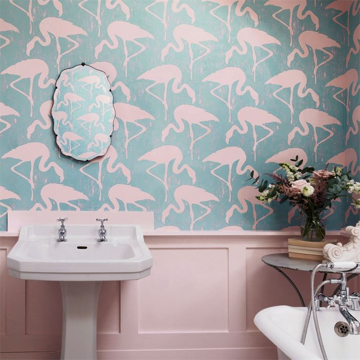 Flamingos-would-look-perfect-in-a-modern-seaside-shack-or-on-the-walls-of-a-petite-powder-room-wallpaper-wp425451-1