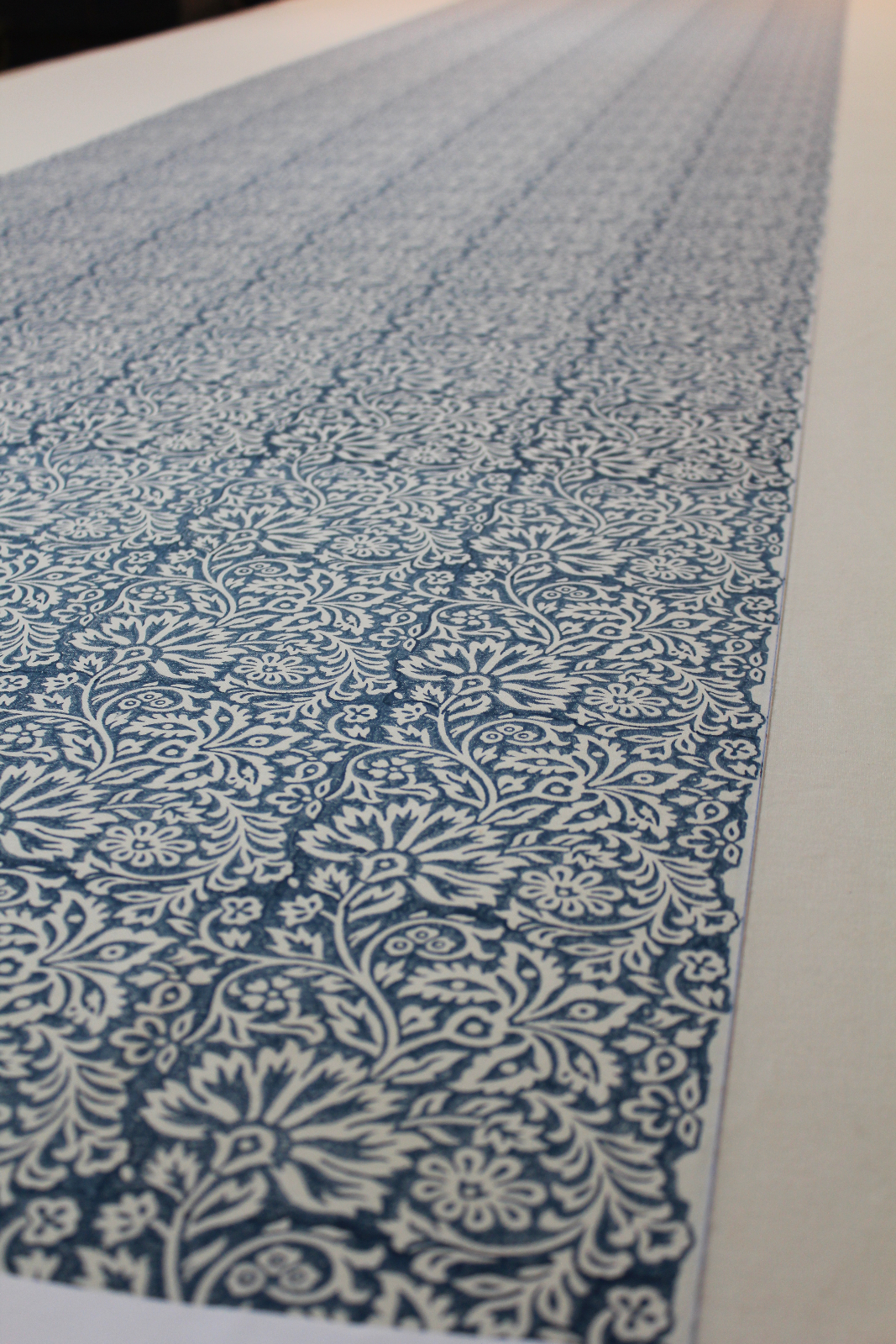 Flora-Indigo-from-the-Artisan-Collection-by-GP-J-Baker-wallpaper-wp5805712