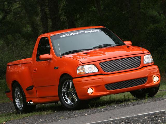 Ford-F-SVT-Lightening-wallpaper-wp6003393